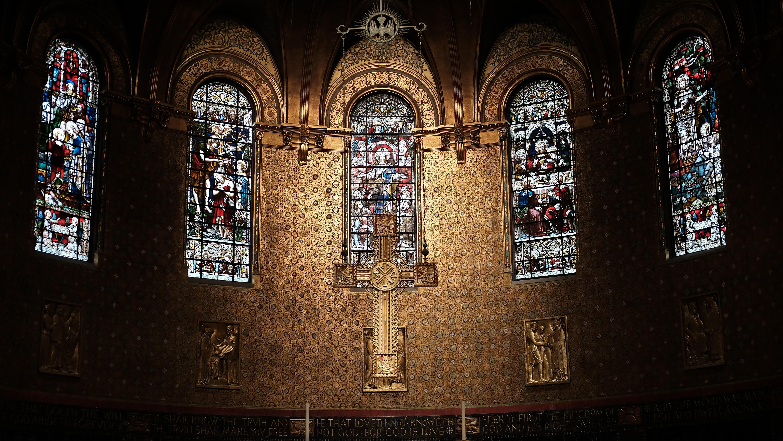 church offering prayers - HD2089×1175