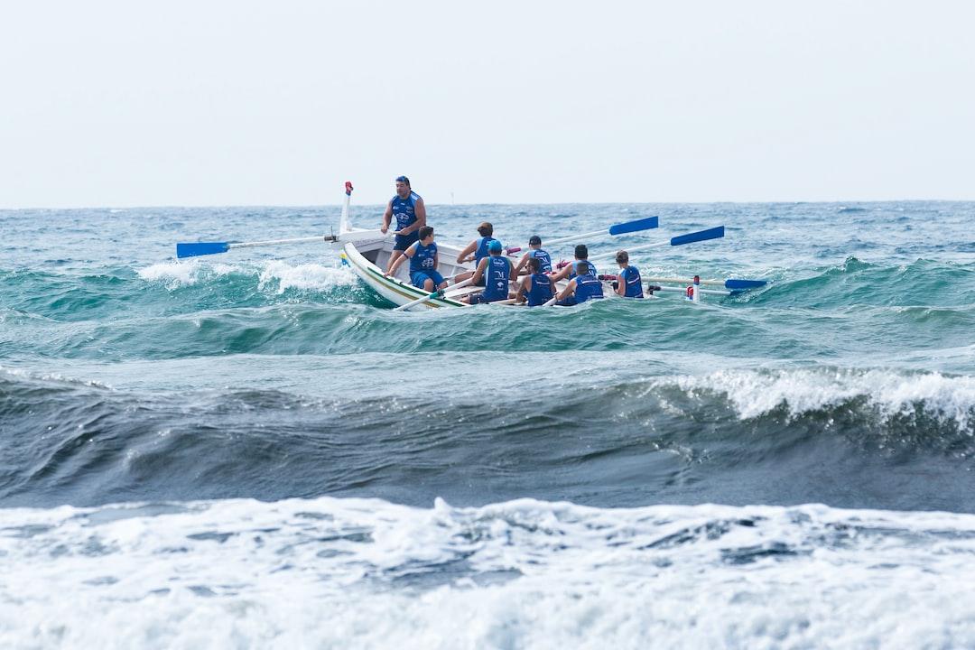 Durante la regata de Las Tres Millas, celebrada en la Playa de La Milagrosa - El Palo, (Málaga).
