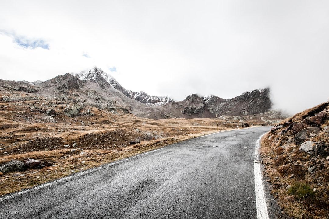 Gavia pass road