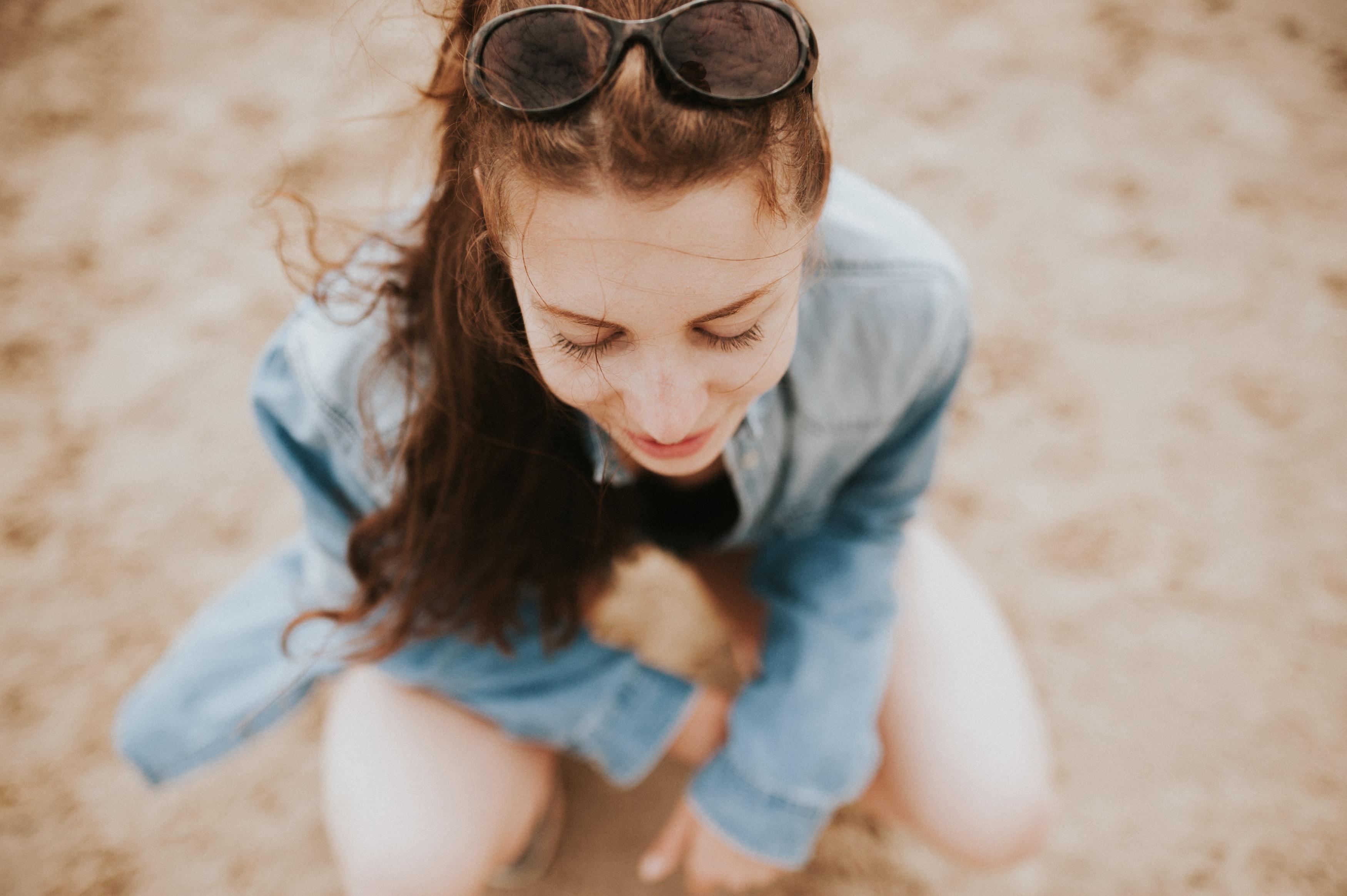 woman kneeling outdoor