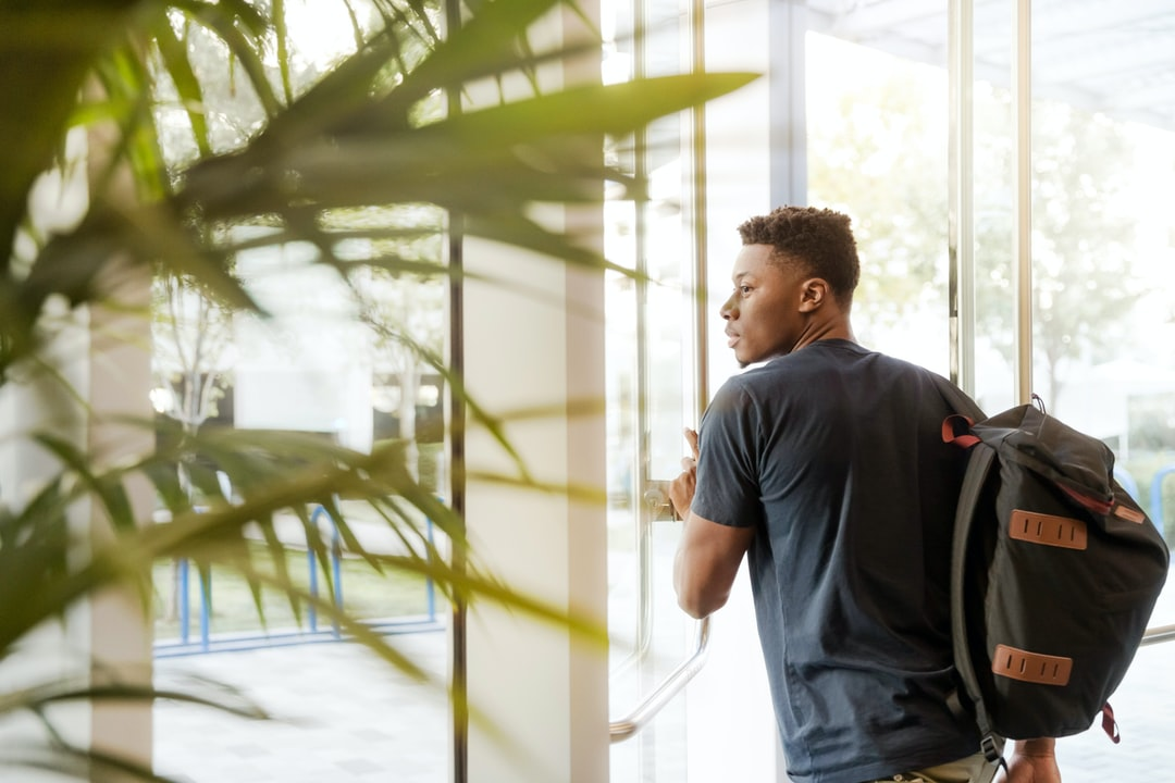 Internship vs Exterternship: what are they and which one to choose?
