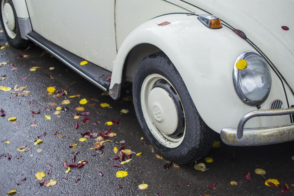 white Volkswagen bettle