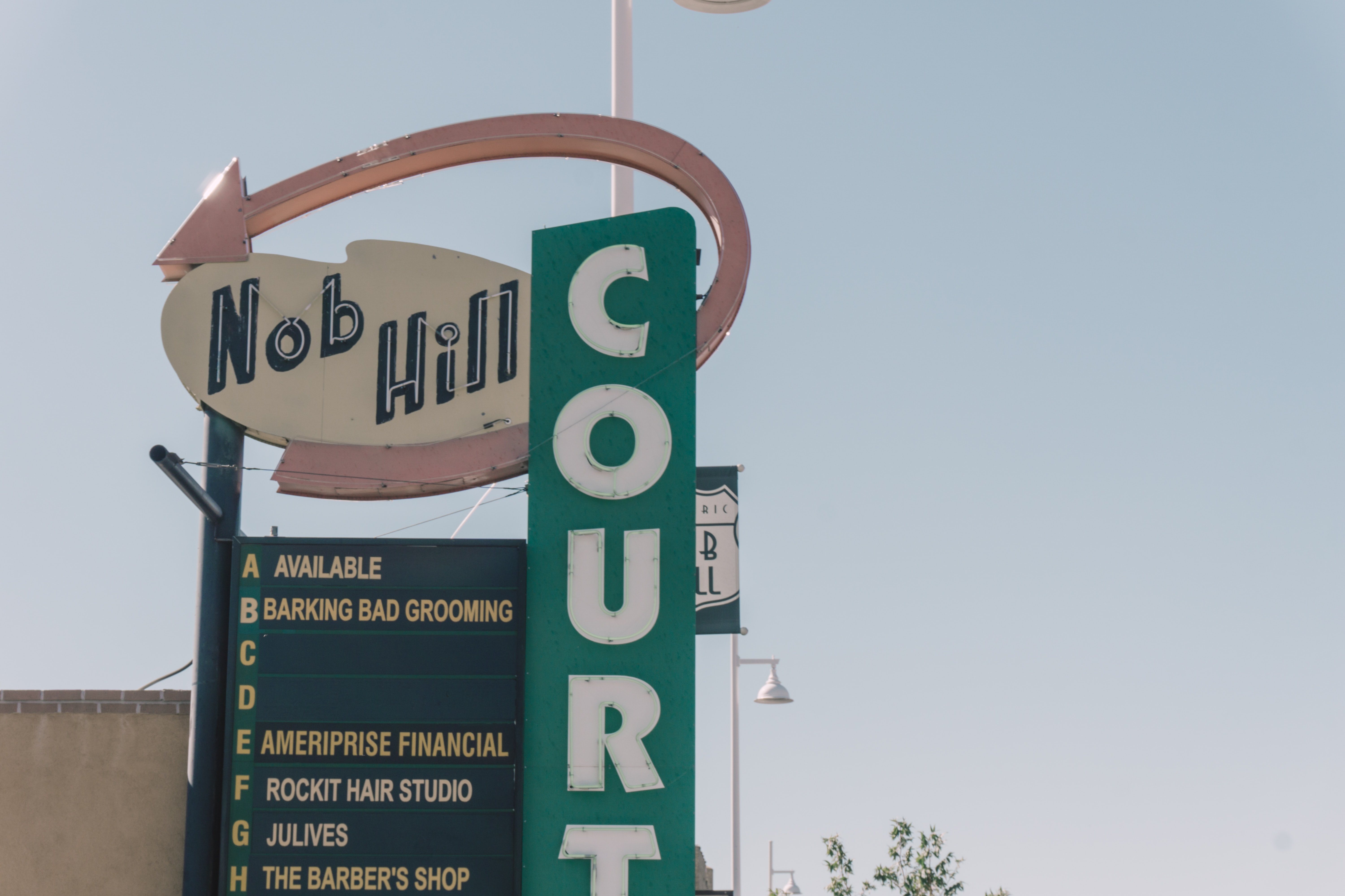 nob hill signage at daytime