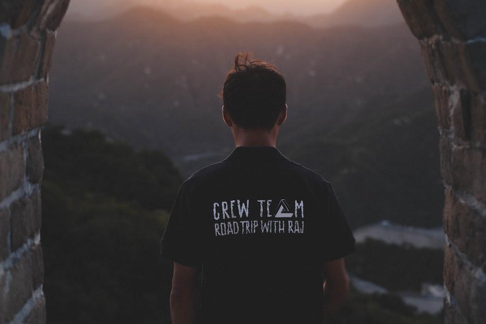 person black Grew Team-printed shirt
