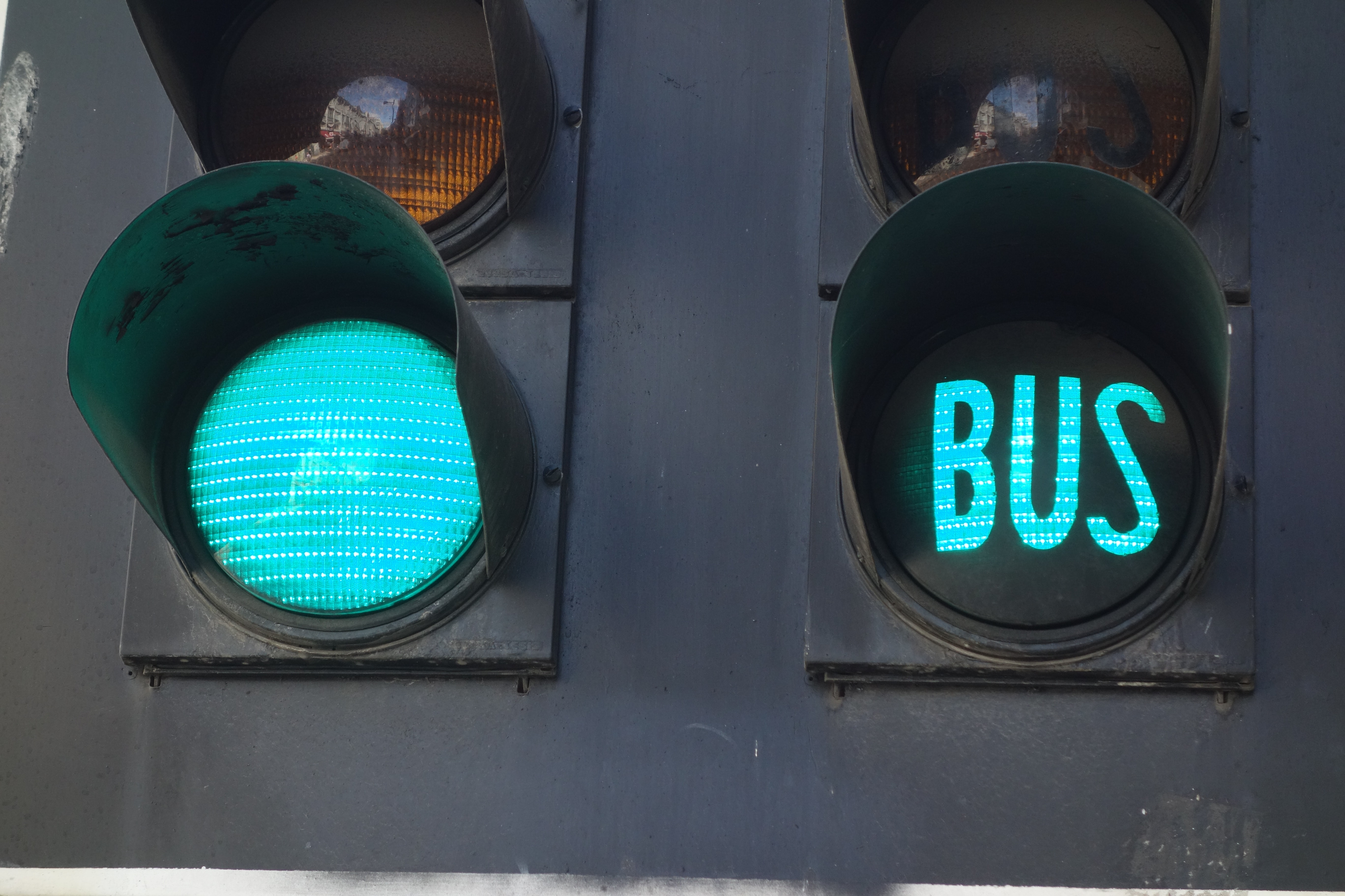 green light bus display