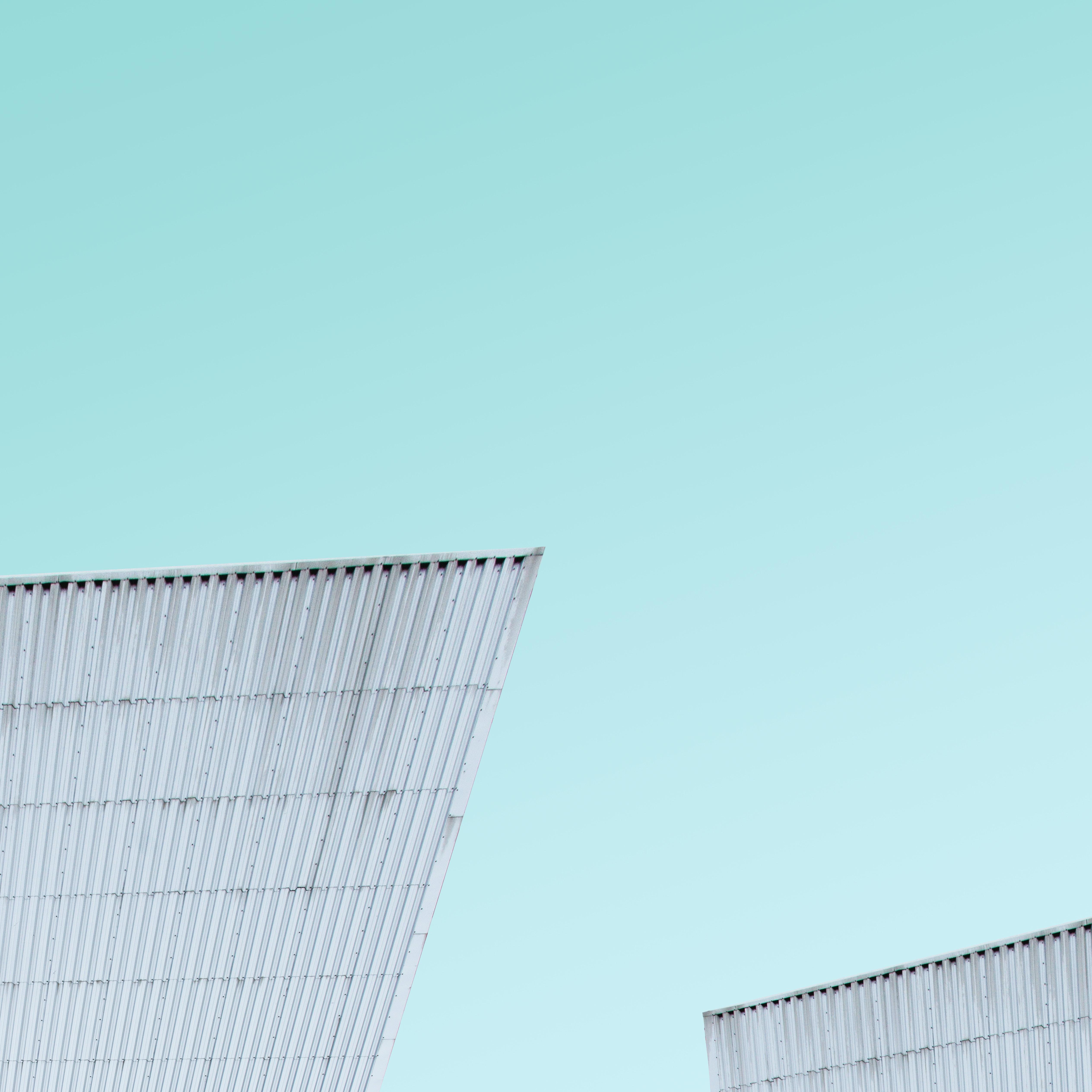 closeup photo of gray sheet