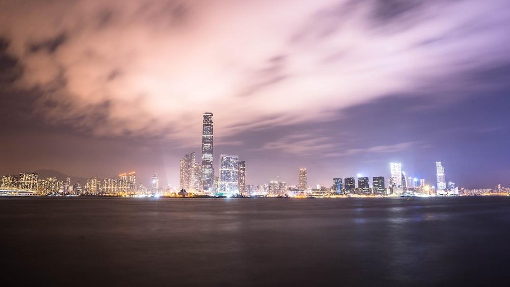 photo of city skyline near body water