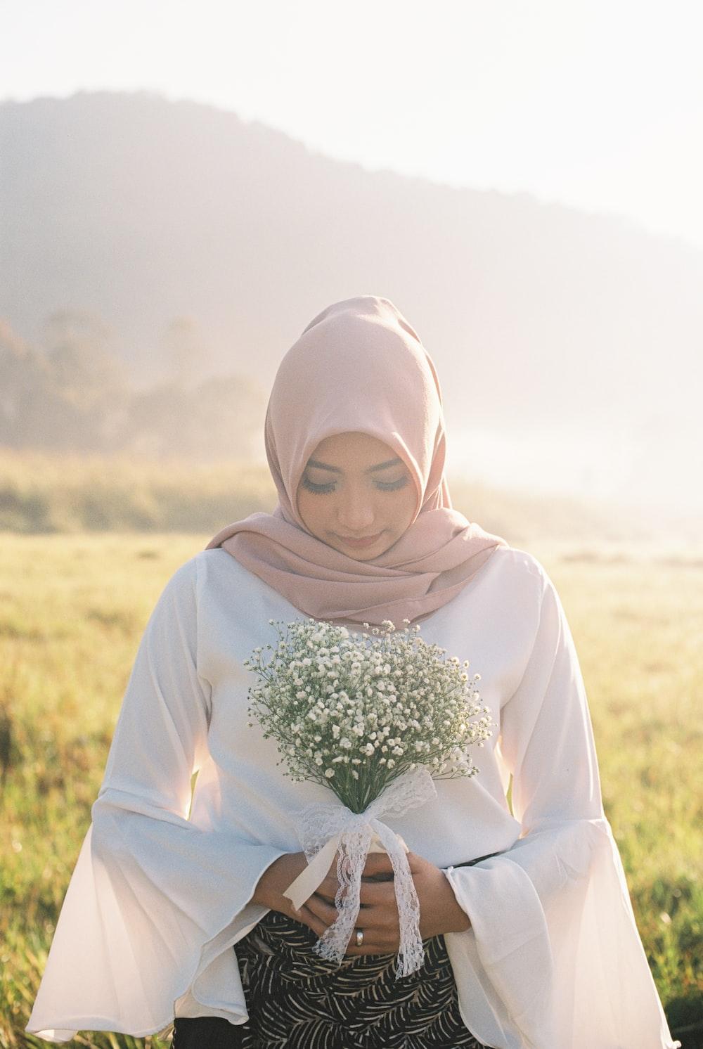 women's white hijab