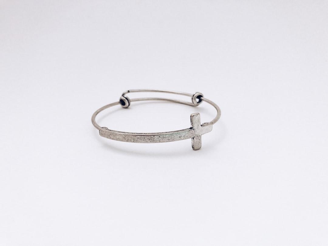 Valencia Cross Bracelet