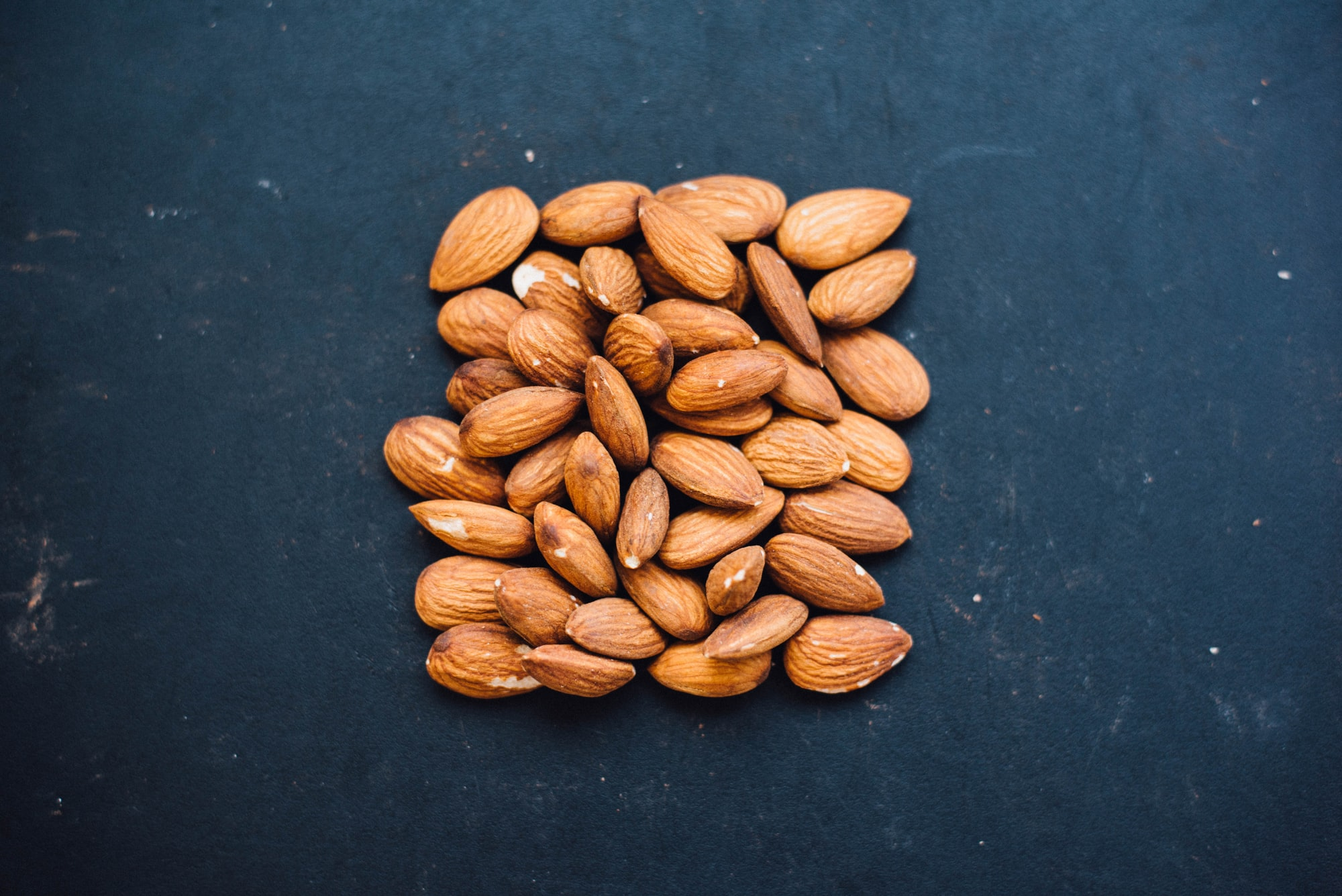 almonds and breastfeeding, almonds for breast milk, lactogenic almonds