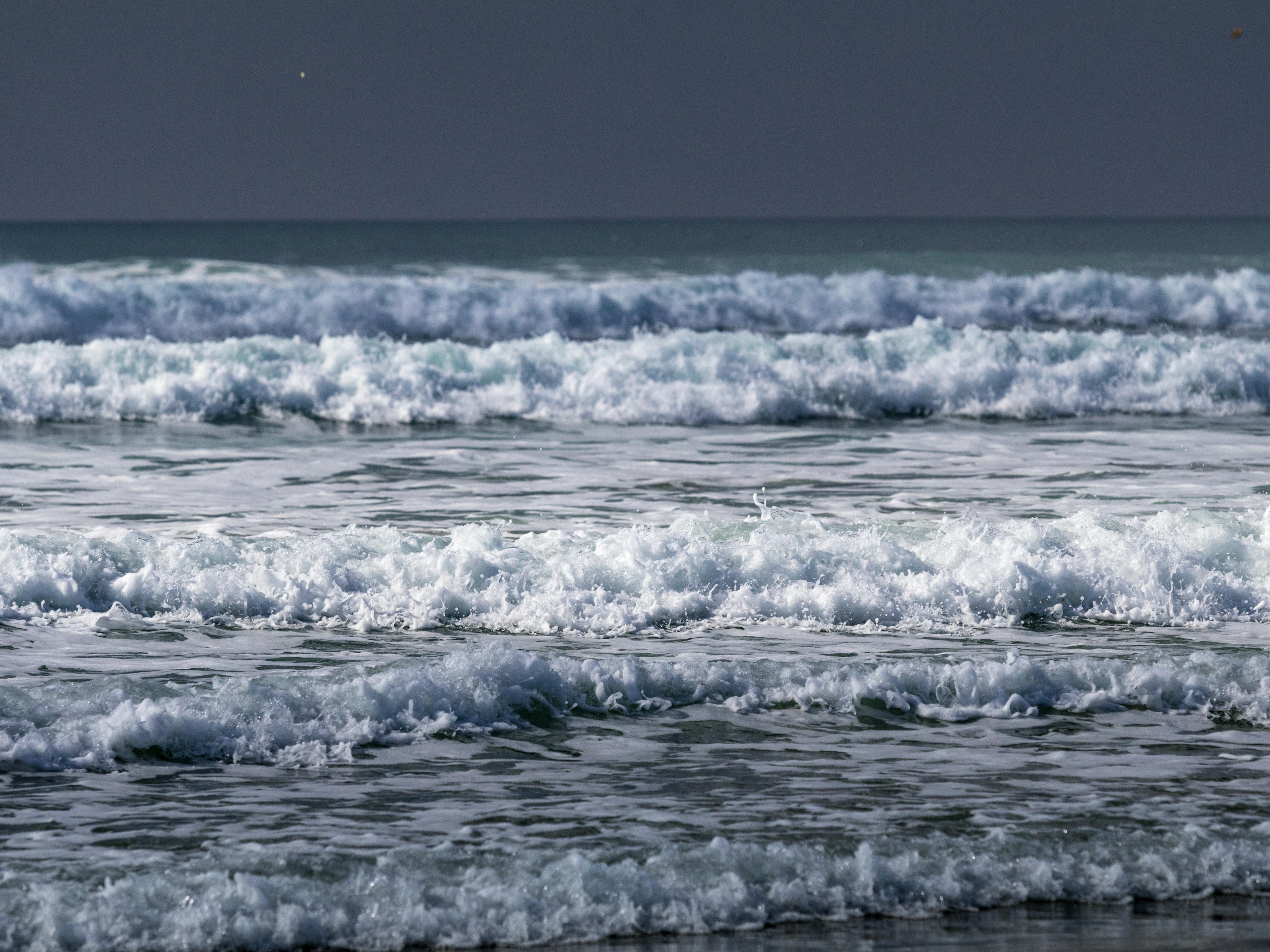 water foam near beach