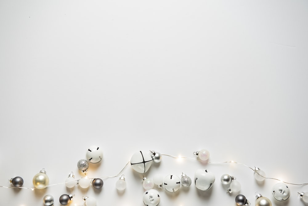 beaded of white string light