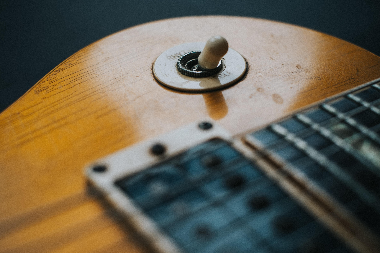 close-up photo of guitar