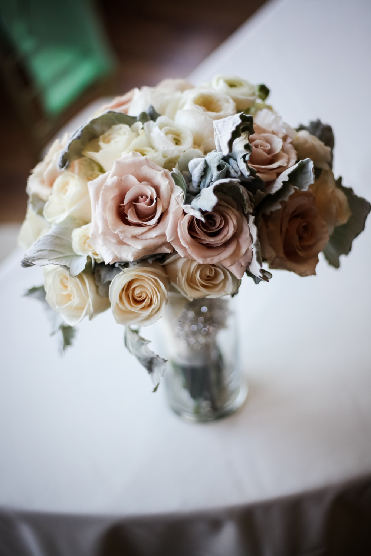 beige bouquet of roses