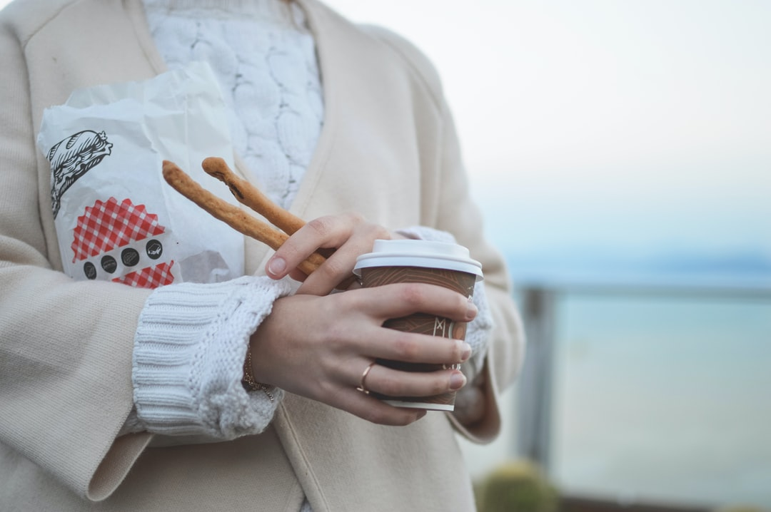 We love to combine our poto shootings with a nice walk in the beautiful town of corfu. On weekdays though time is sometimes not enough so we go with a coffee on the go and some lovely Kritsinia. Long dry bread sticks flavored with different tastes like Carrot, Spinach, spicy or Olives.