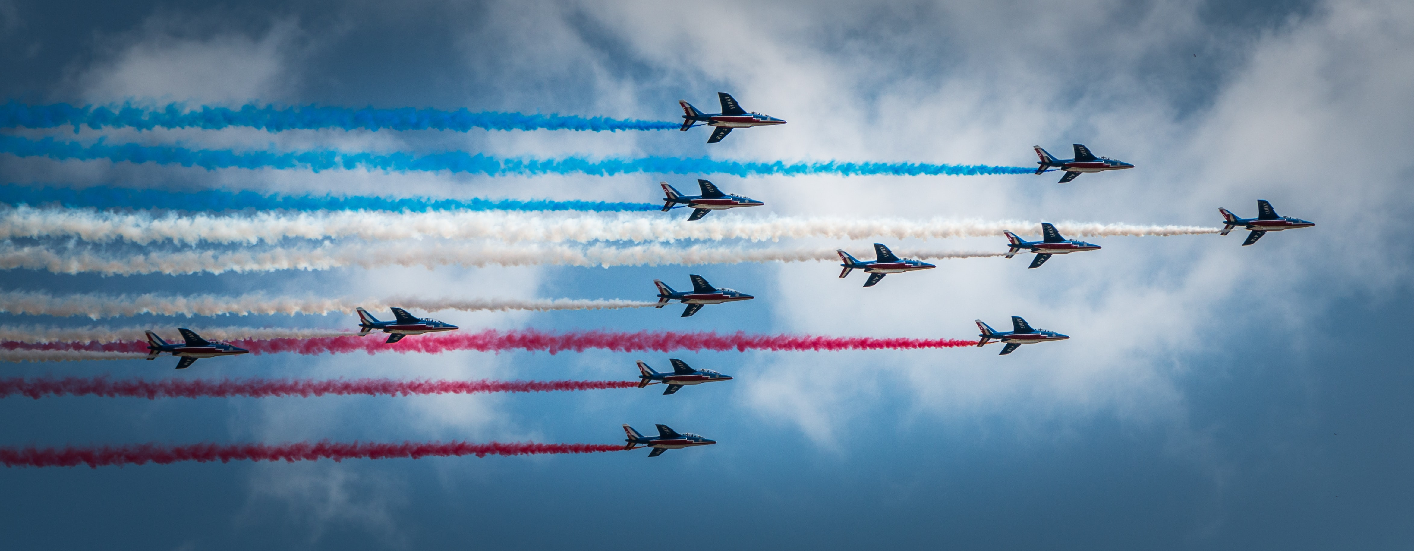 time lapse photography of airshow