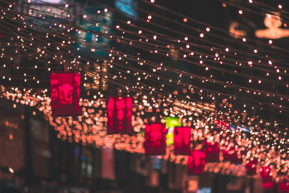 tilt shift lens photography of street lights