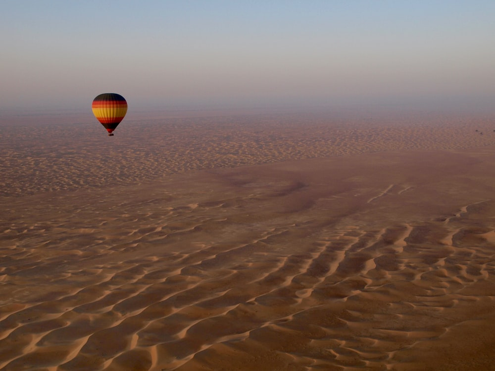 Hot air baloon in Dubai