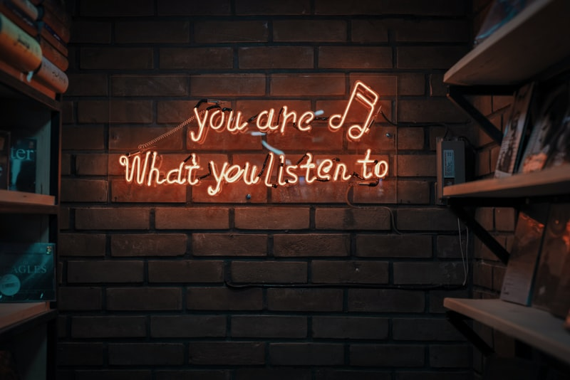 聽音樂排行榜發現...