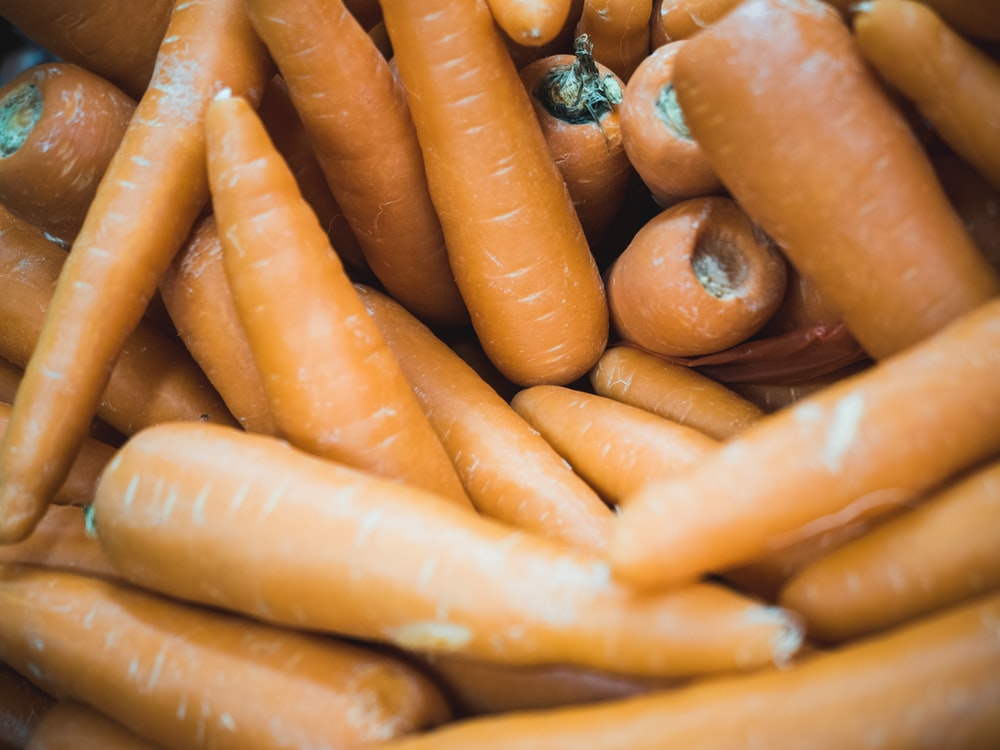 closeup photo of carrot lot