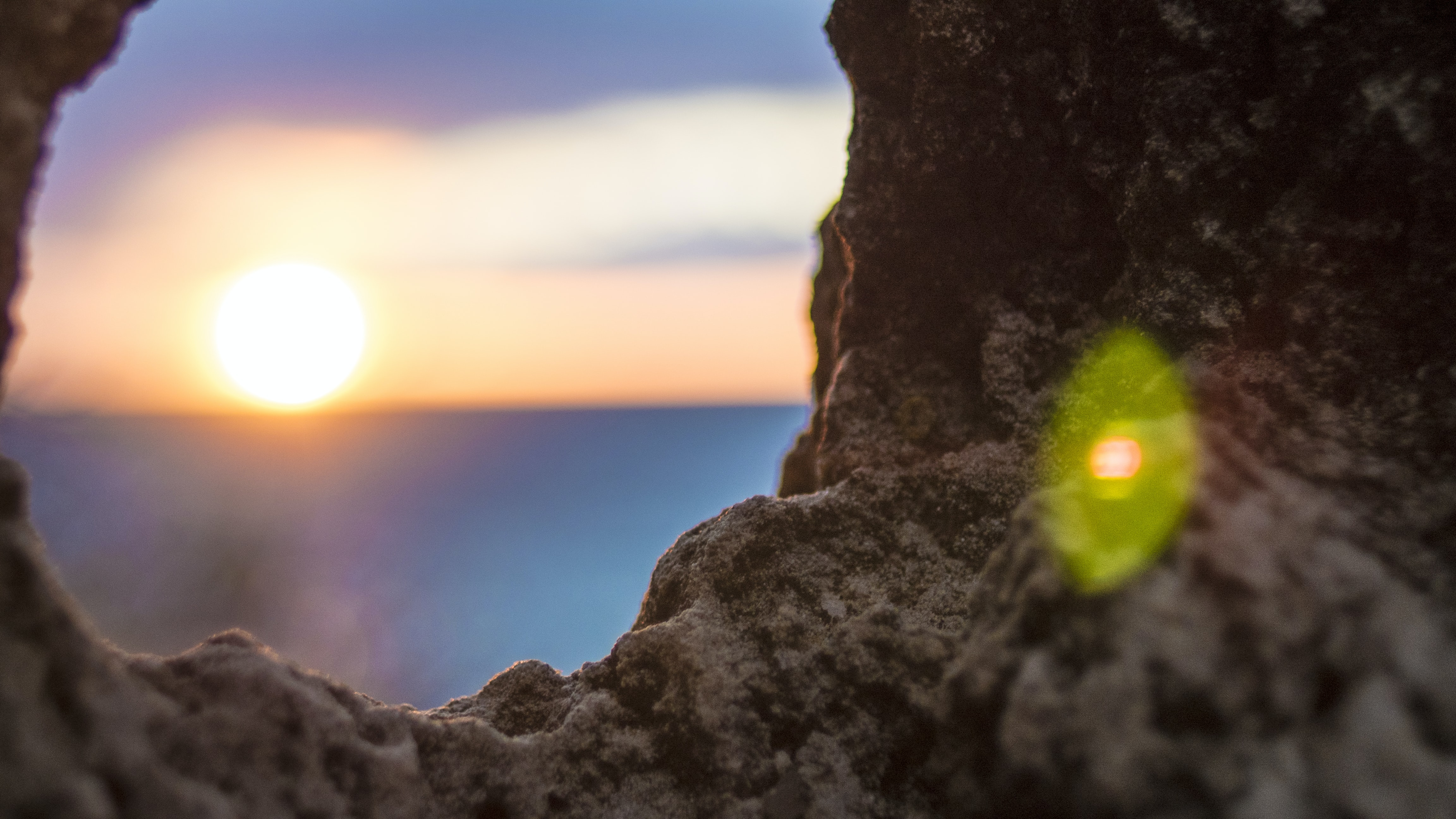 shallow focus photo of rock formation