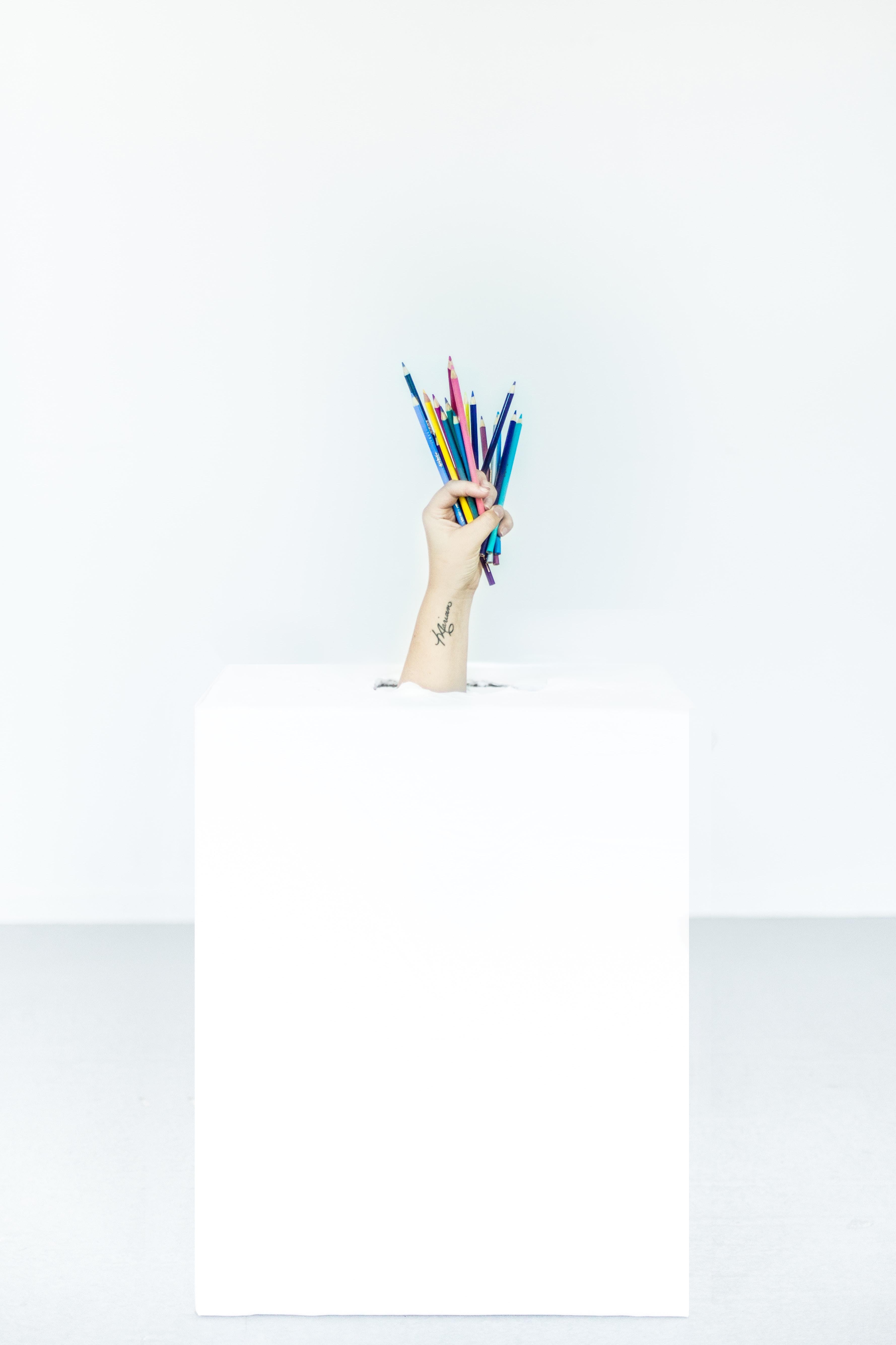 《设计冲刺:谷歌风投如何5天完成产品迭代》——星期二:写写画画,每个人都贡献点子,想出解决方案