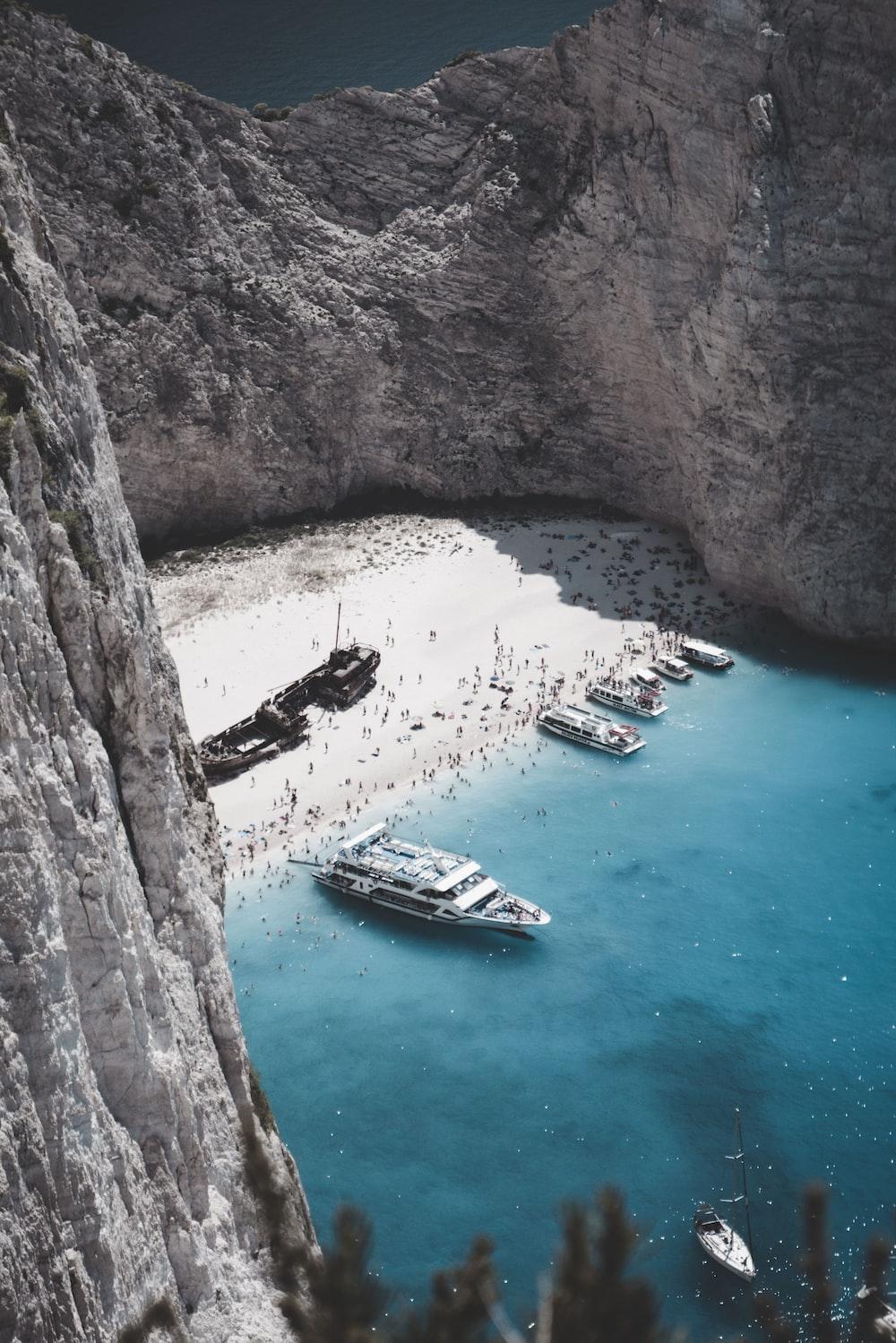Sinking Ship, Greece