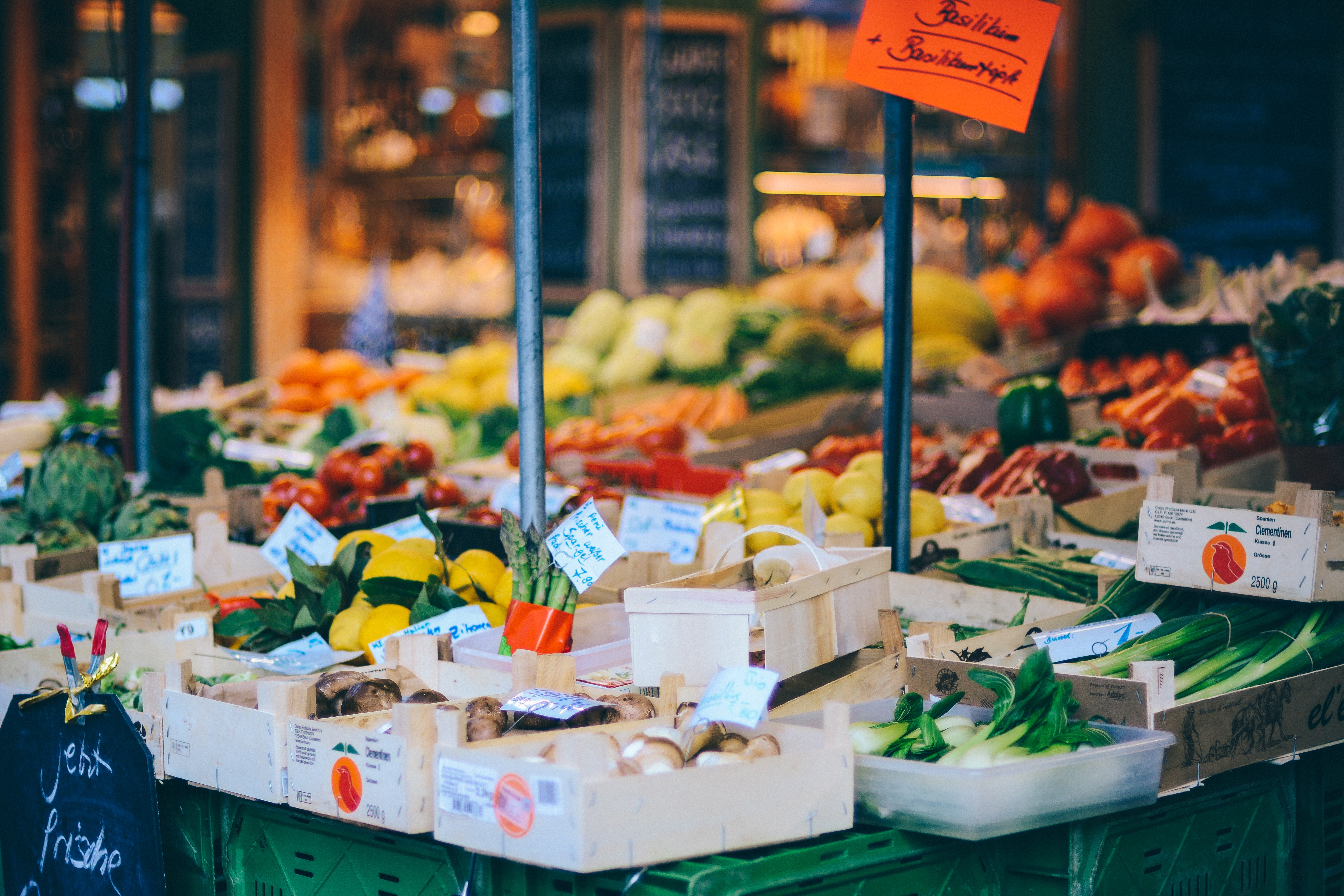 shallow focus photography of produce stand
