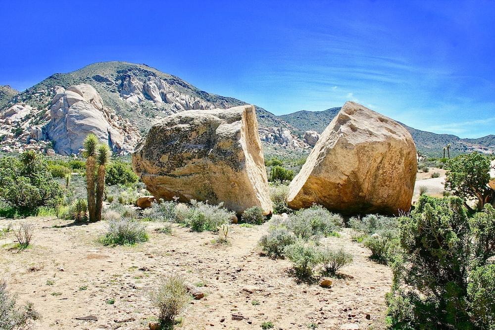 photo of beige rocks