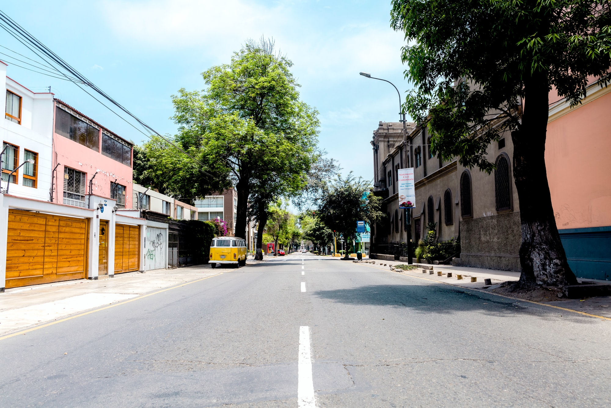 Sunday noon, while all people where participating on the national census, streets look empty and abandoned like it was the first day people left. This is a shot of a hipster neighbourhood Barranco whit -almost- no humans around in the shot.