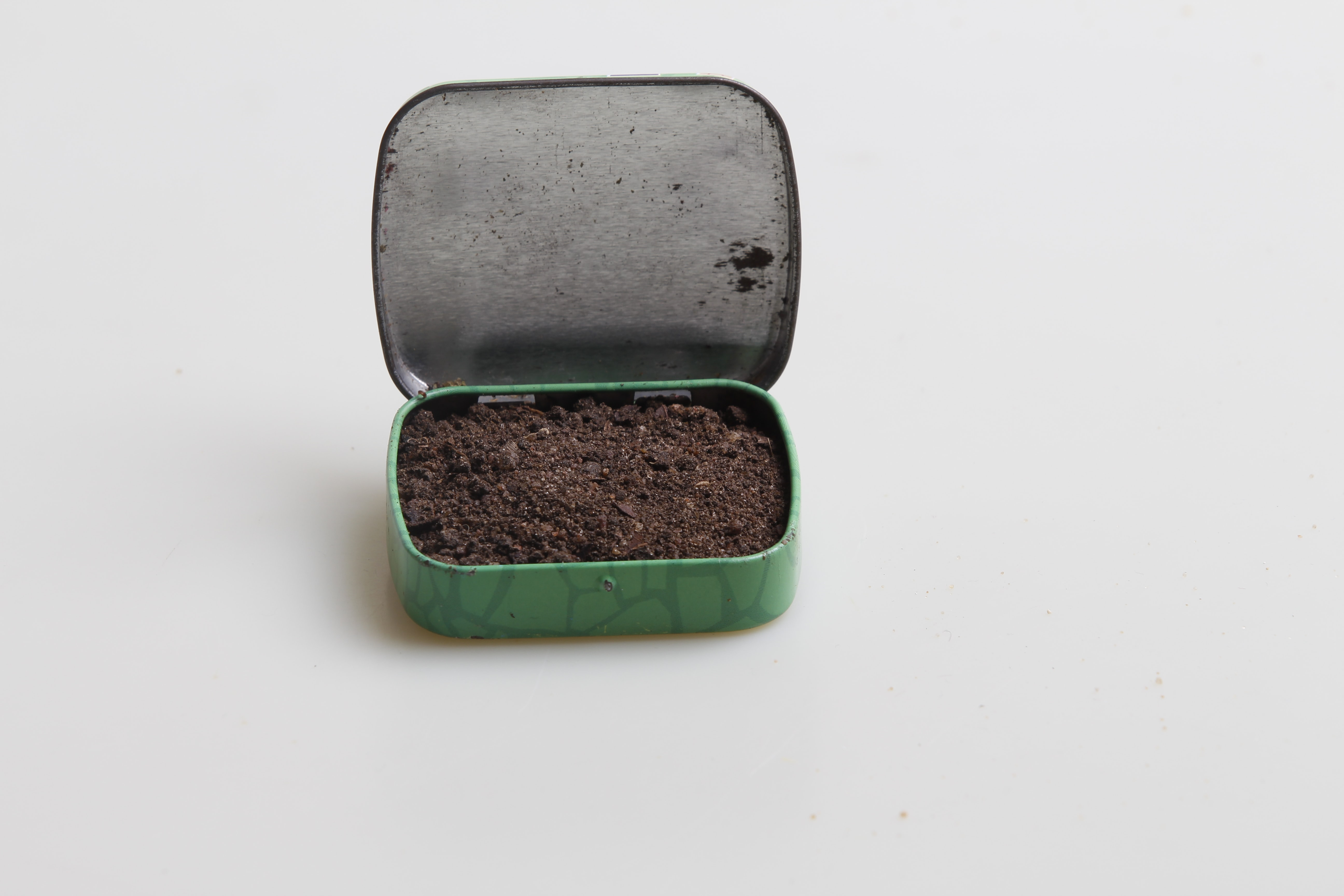 tobacco on green case