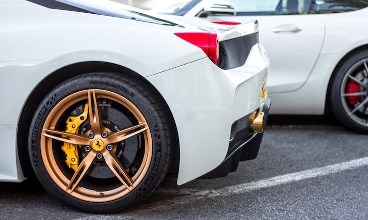 Ferrari VS Bugatti Veyron