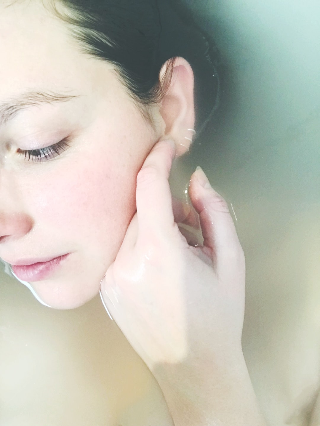 How to Care For The Skin In The Morning And At Night