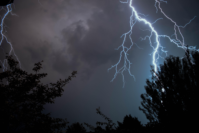 photograph of lightning strike