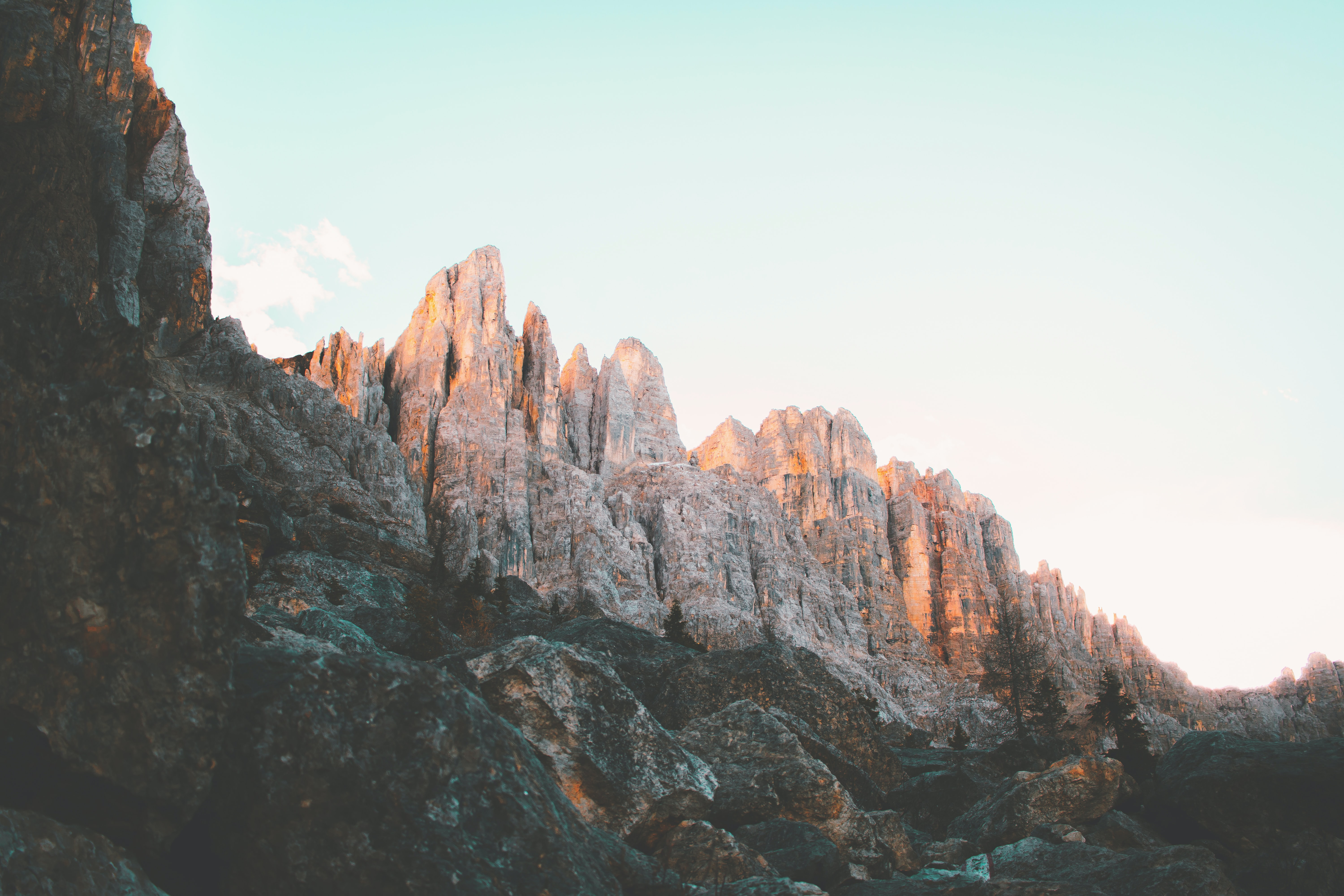 close-up photo of mountains
