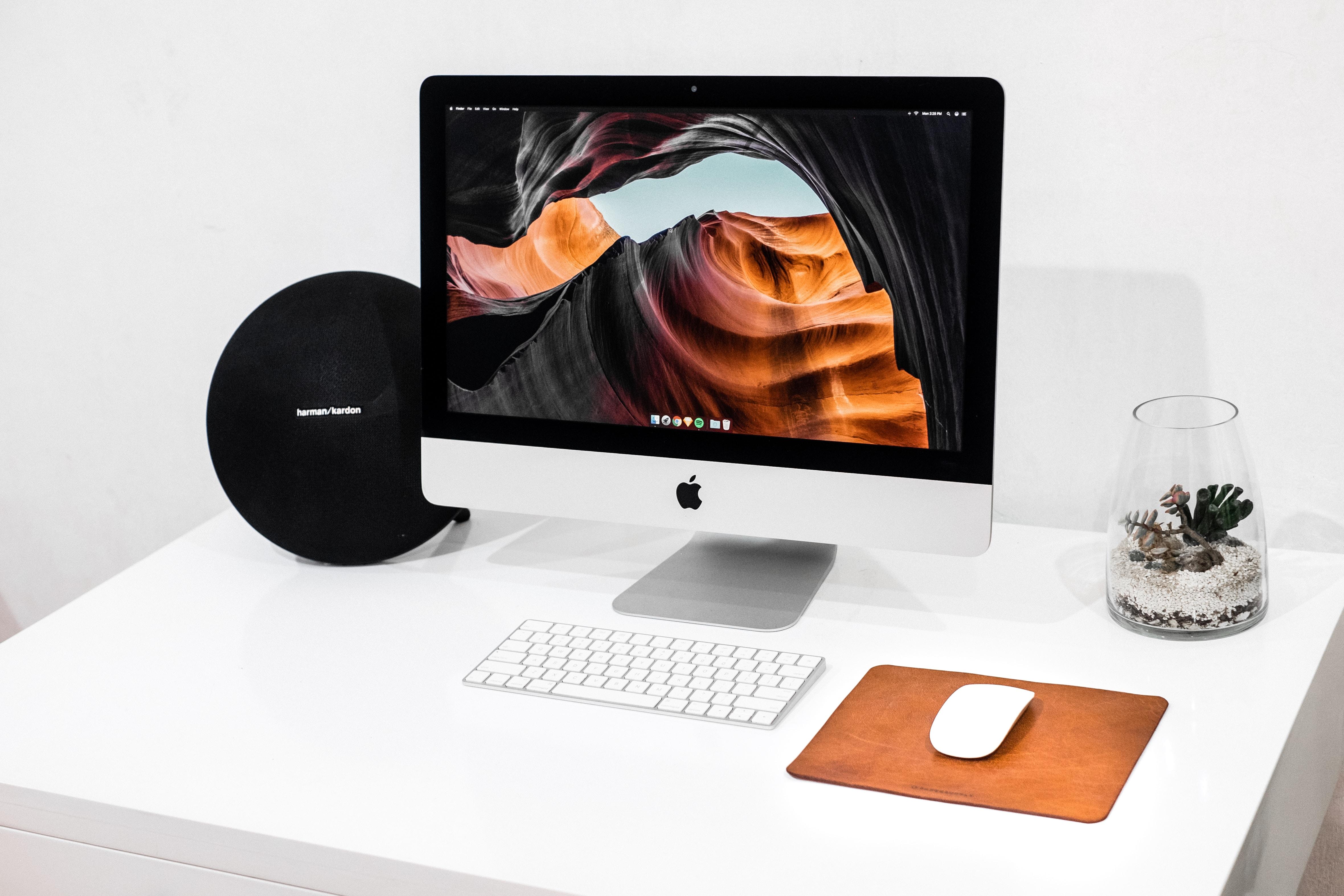 Apple Aficionados hand-picked from Unsplash