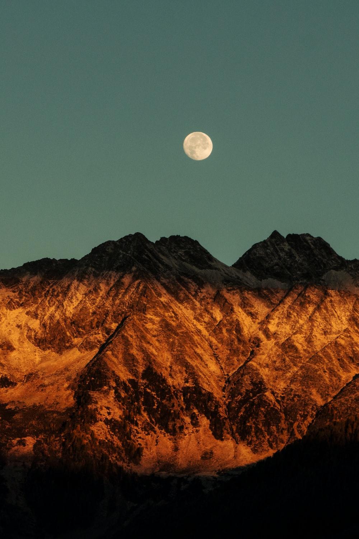 photography of brown mountain range