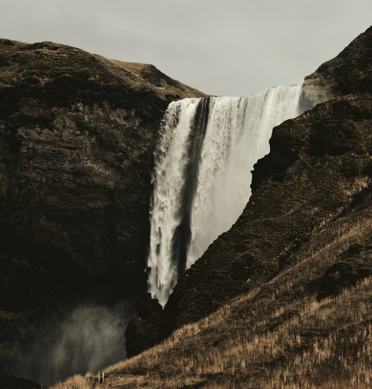 waterfalls landscape during daytime