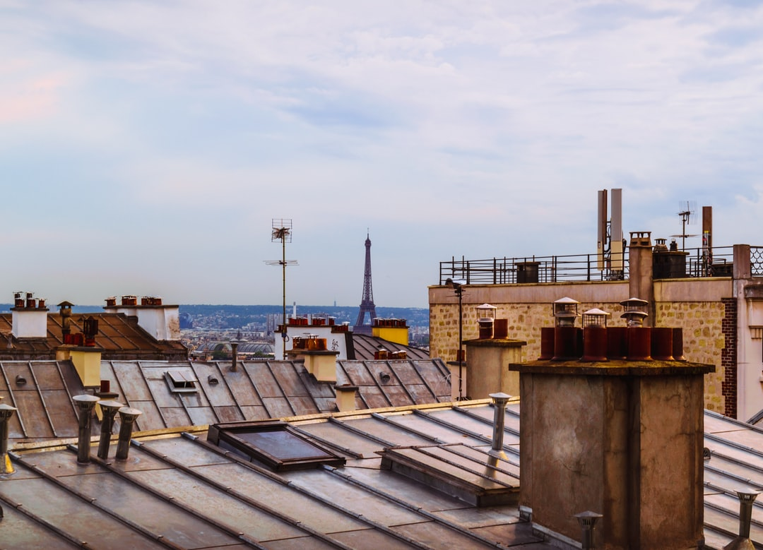 Wandering on the Parisian rooftops