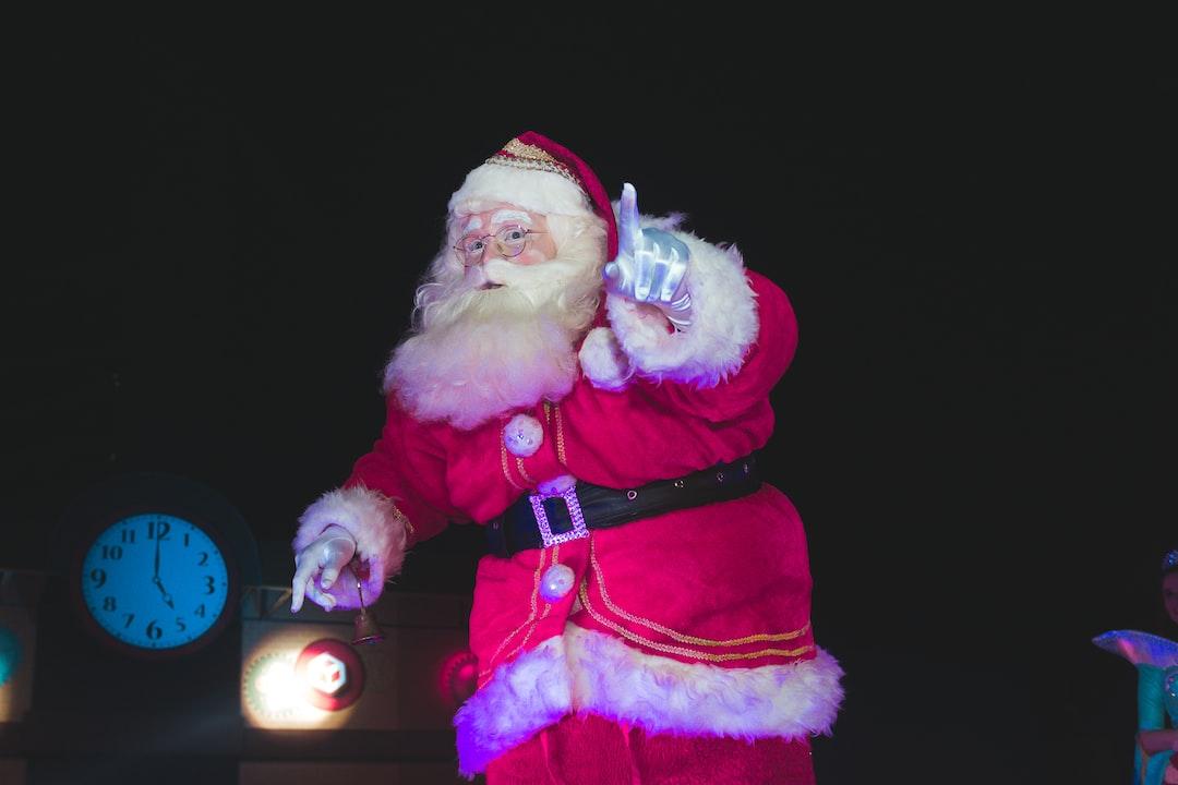 """""""O Shopping Recife promoveu a chegada do Papai Noel.\r\nEvento dedicado as crian\u00e7as. \r\nCom shows infantil e brincadeiras \u00fanicas."""""""