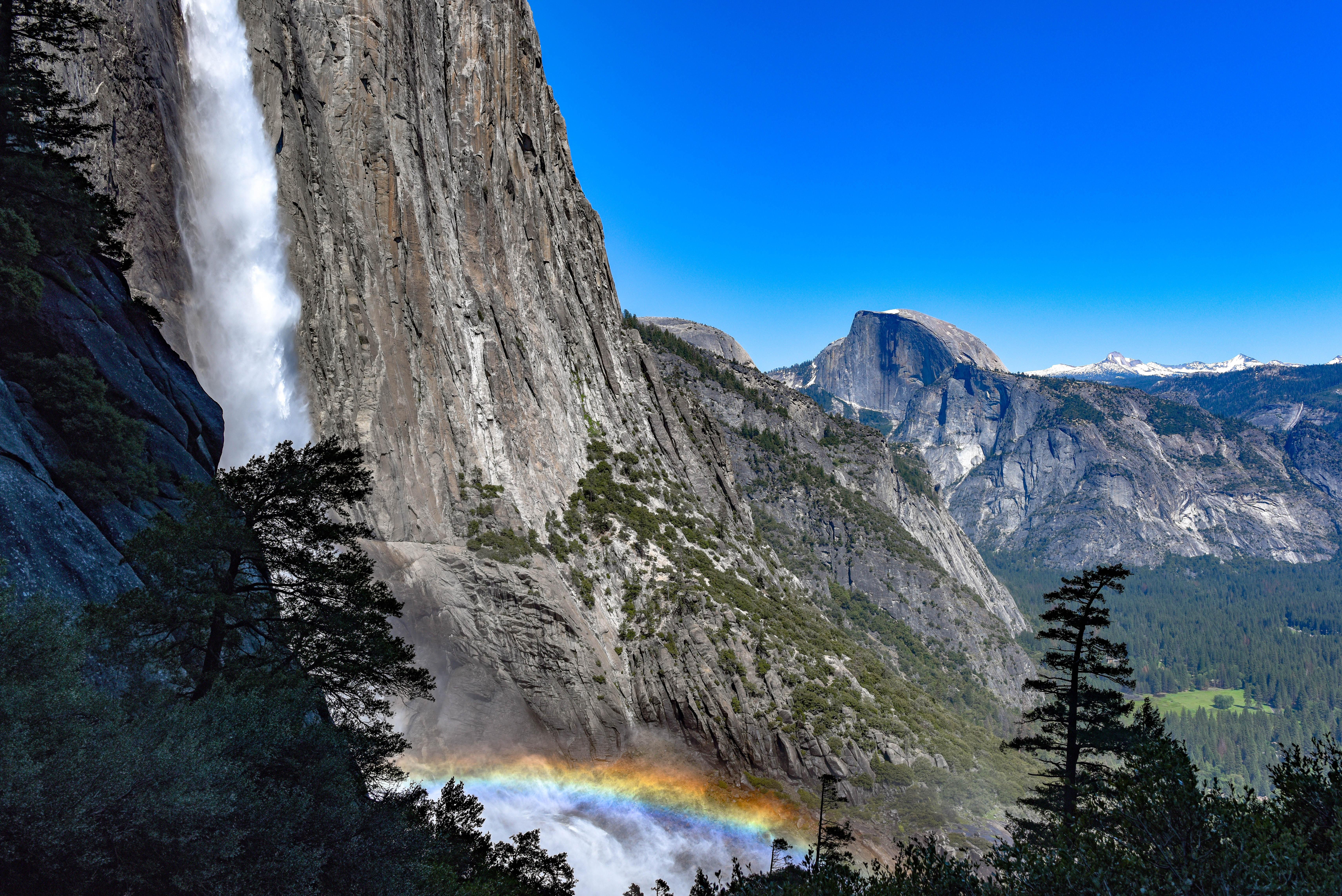horsetail waterfalls at daytime