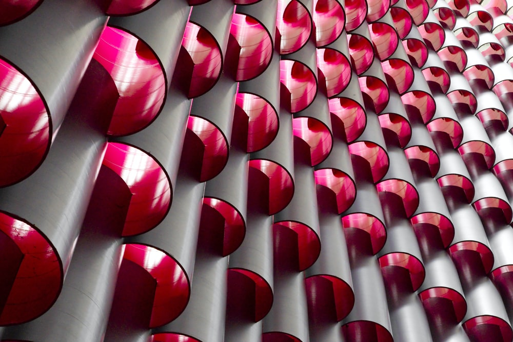 layer of red mirrors