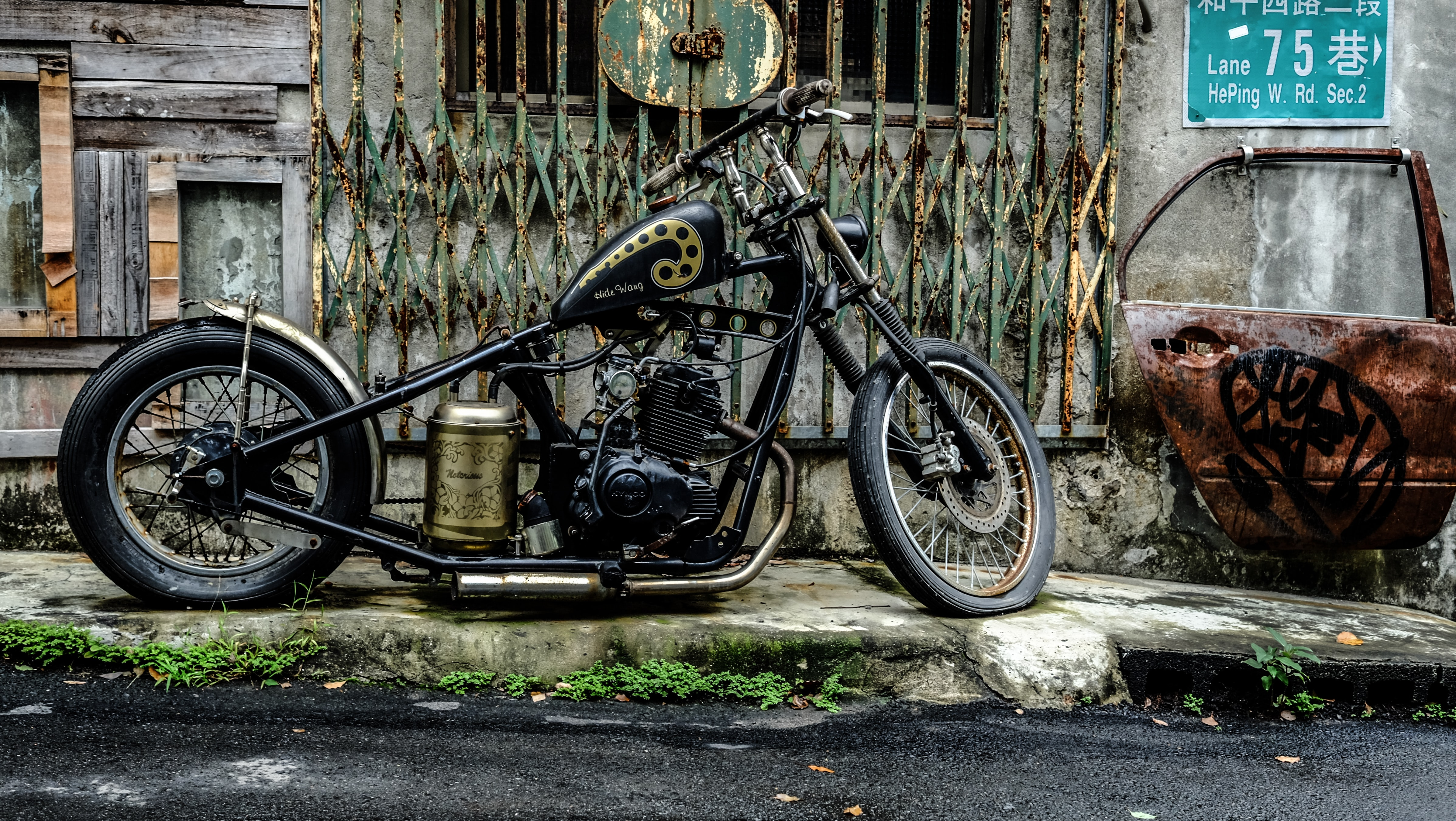 black chopper motorcycle