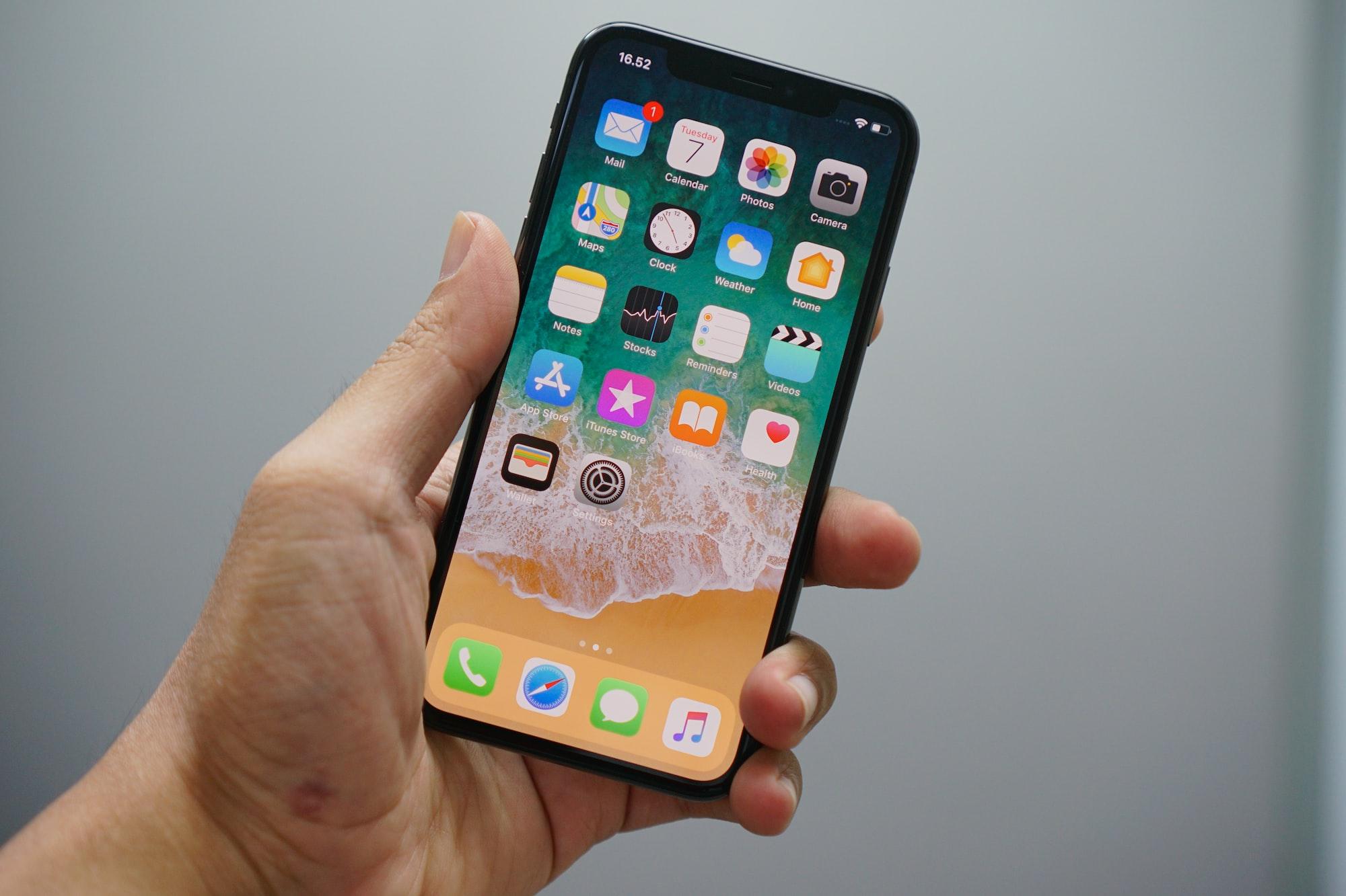 iPhone X упал с высоты 3,5 км и чудом остался без повреждений