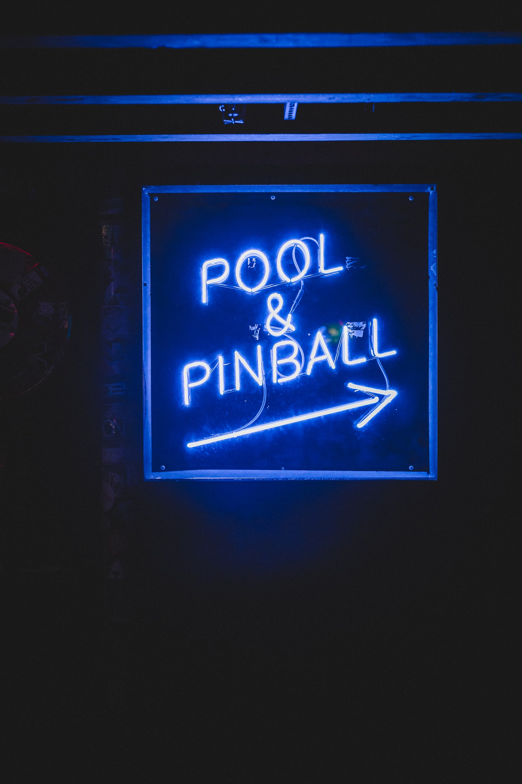 Pool & Pinball neon light signage