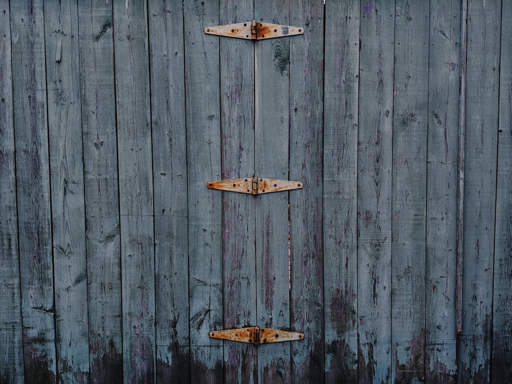 gray wooden fence