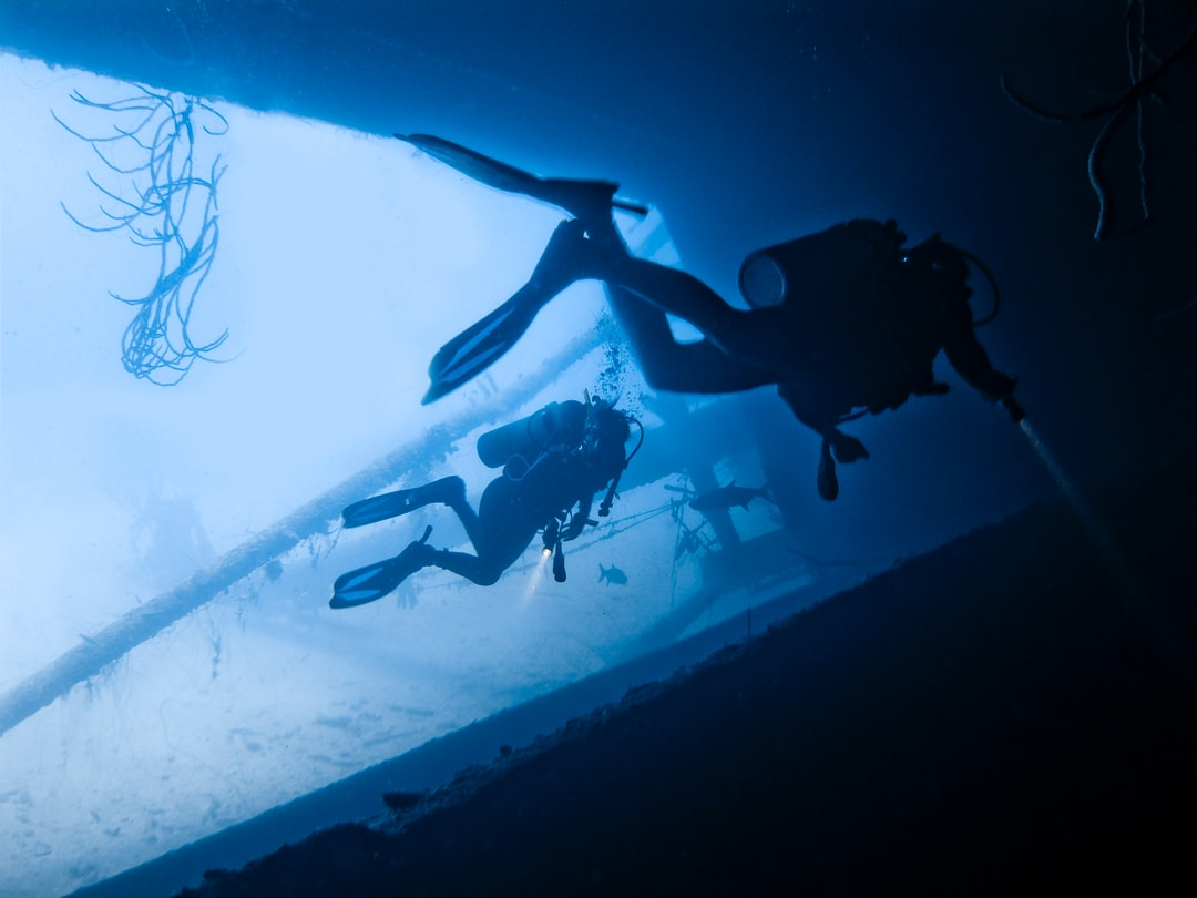 Exploring the Hilma Hooker drug smuggler shipwreck