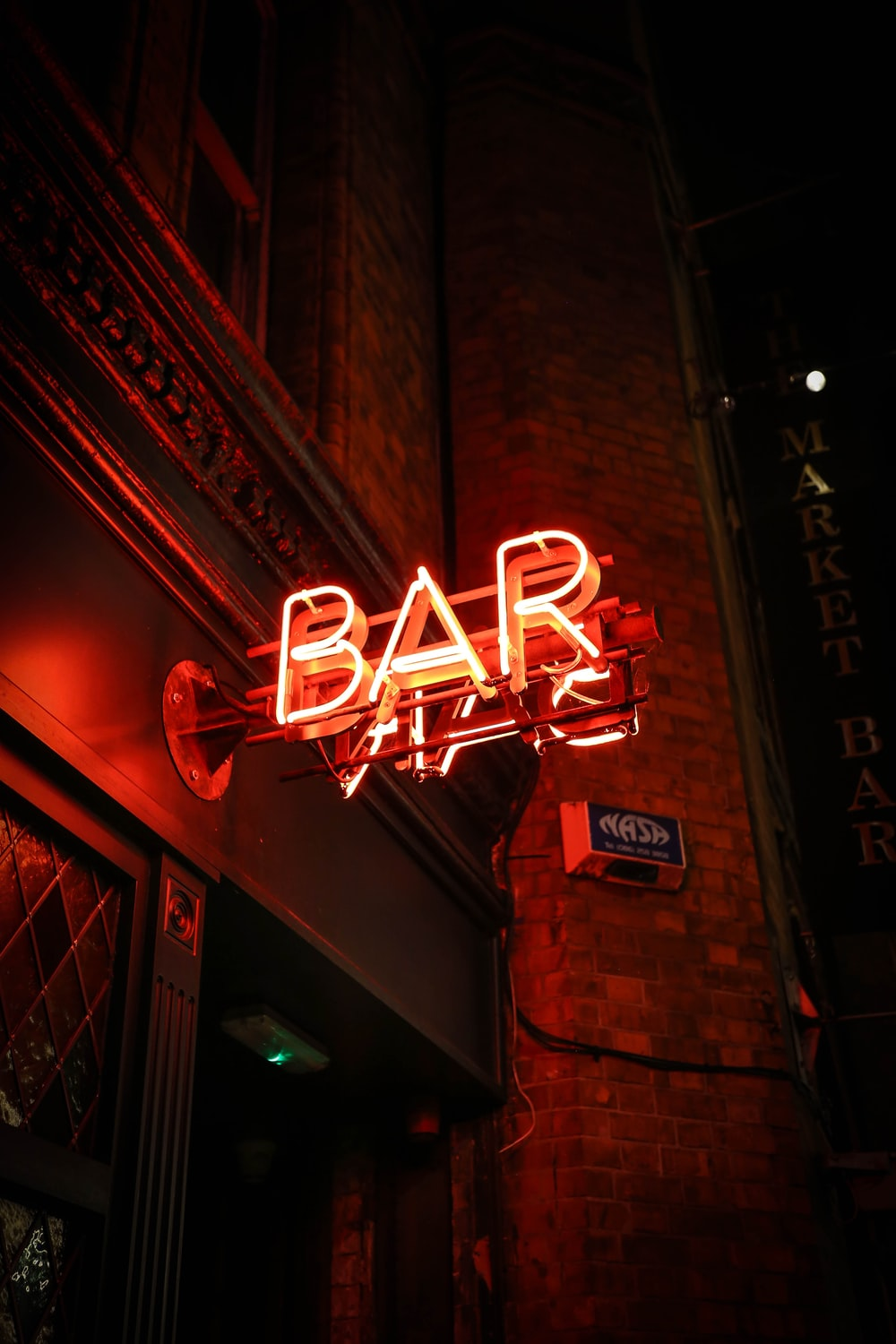 red BAR neon light singage