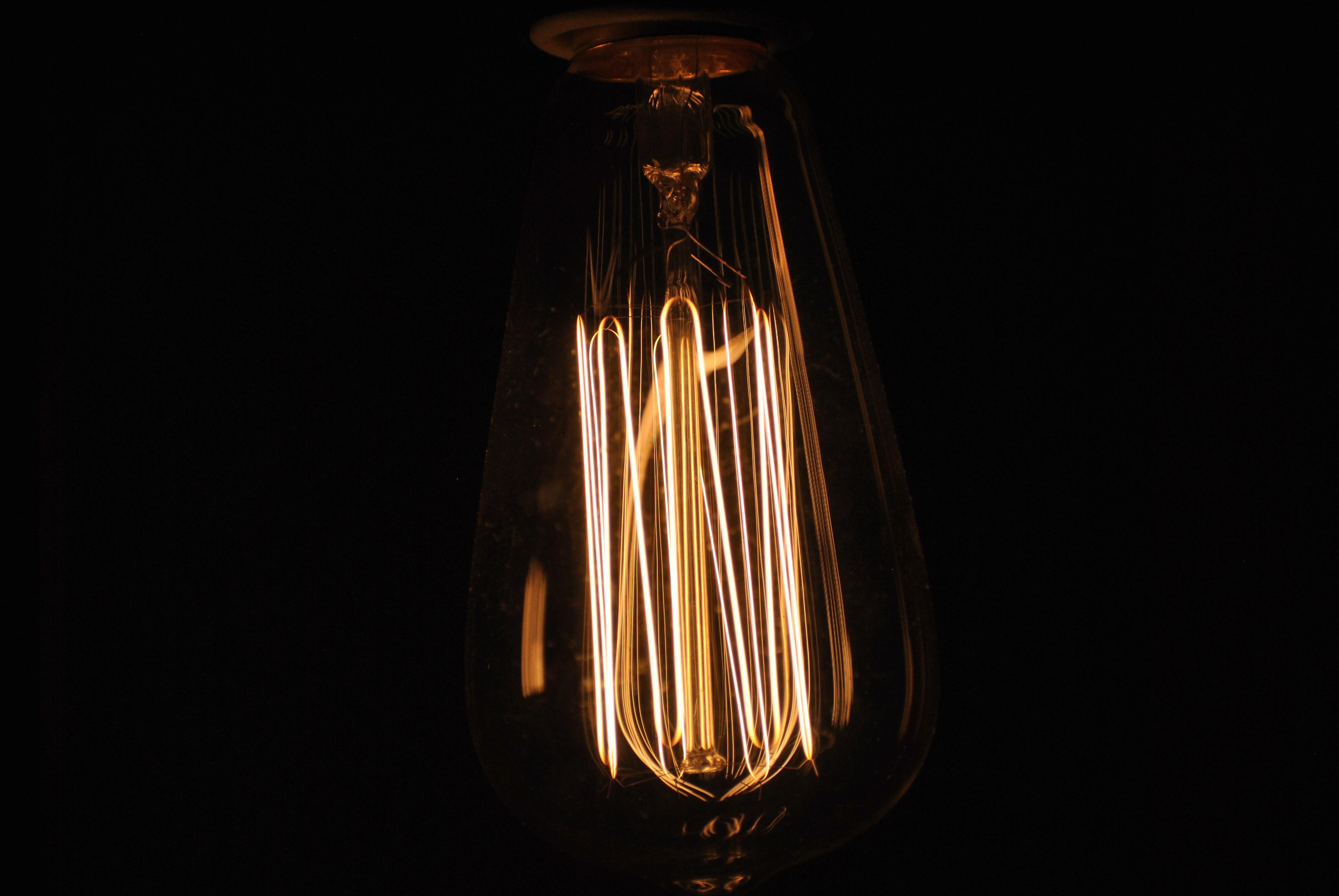 photo of Edison bulb