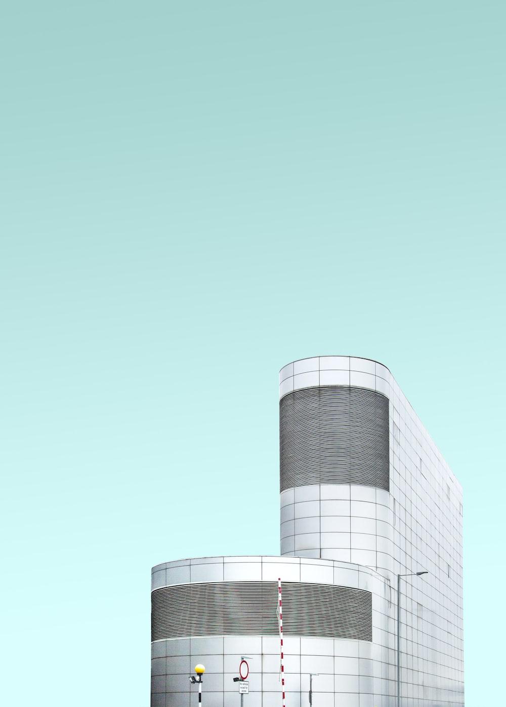 closeup photography of building